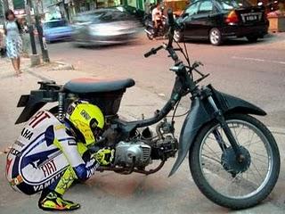 rossi+mortir Beginilah Bila Valentino Rossi Balap Di Indonesia